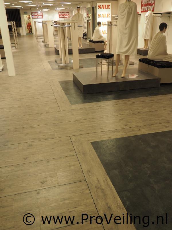 Faillissementsveiling voorraad en (winkel) inventaris Modehuis Max Dohle BV te Hoogeveen