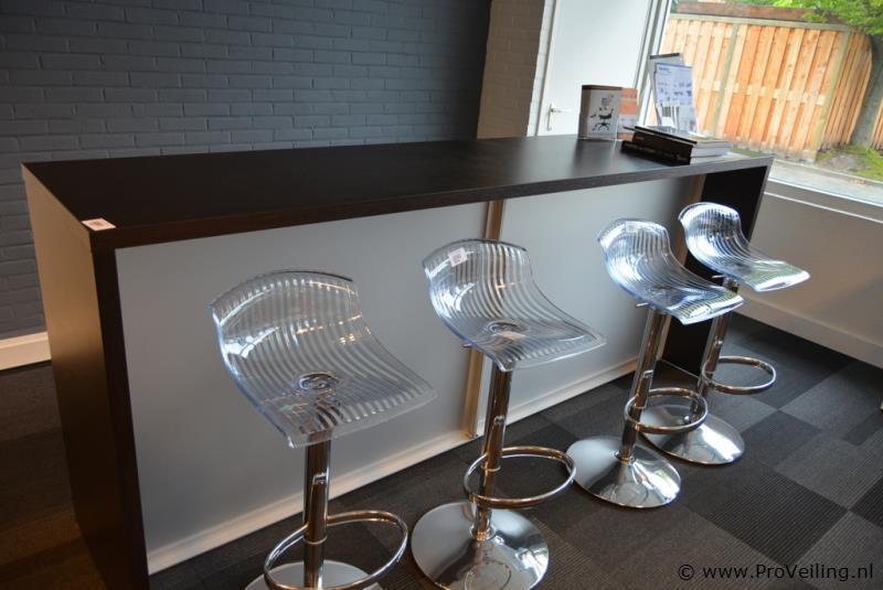 Faillissementsveiling voorraad en inventaris  Aveha Office Products B.V. te Oud-Beijerland