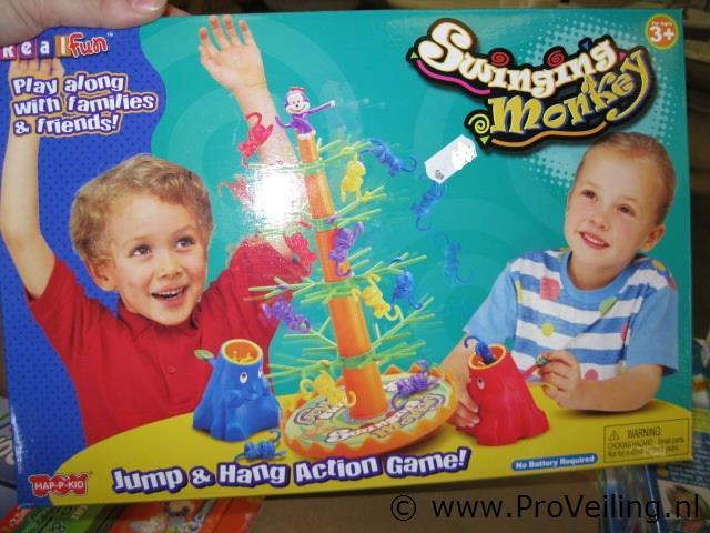 Faillissementsveiling van diverse goederen met o.a. speelgoed, binnen & buitenverlichting etc. (opgeslagen te Beneden-Leeuwen)
