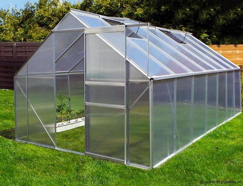 Veiling te Budel met diverse goederen o.a. tuinhuisjes; carport/overkappingen; gereedschap etc.