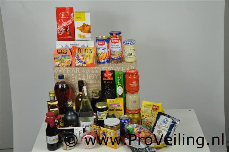 Veiling van diverse kerstpakketten te Leeuwarden