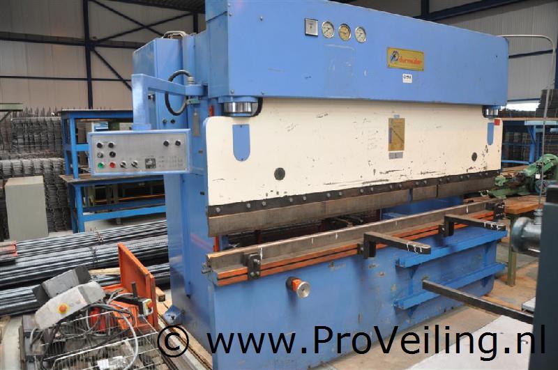 """Veiling inventaris """"Metaalbedrijf Drachten"""" met o.a. diverse metaal & houtbewerkingsmachines etc."""
