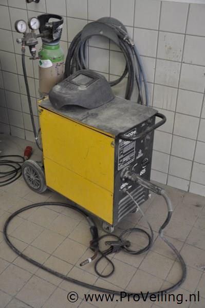 """Faillissementsveiling voorraad en inventaris """"Plaatwerkerij Quick Service"""" te Den Haag"""