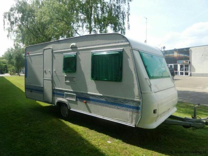 Spoedveiling van diverse caravans te Apeldoorn