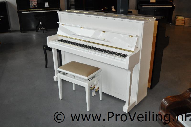 """Faillissementsveiling voorraad en inventaris """"J. Boorsma Muziekinstrumenten B.V."""" (De Pianogallery) te Alkmaar"""