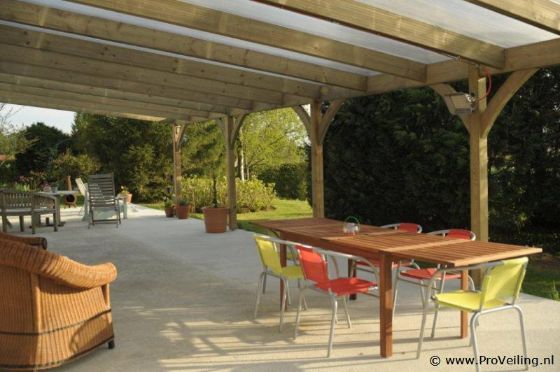 Veiling van diverse goederen te Lutten met o.a. PVC, Polyester & Isolatiematerialen; complete veranda's; vijveroverkappingen; lichtkoepels/zonnepanelen etc.