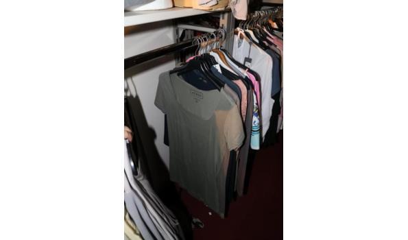 Diverse dameskleding - verschillende maten - ca. 50 stuks