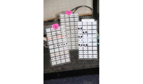 Display incl. oorbellen - ca. 3 stuks displays