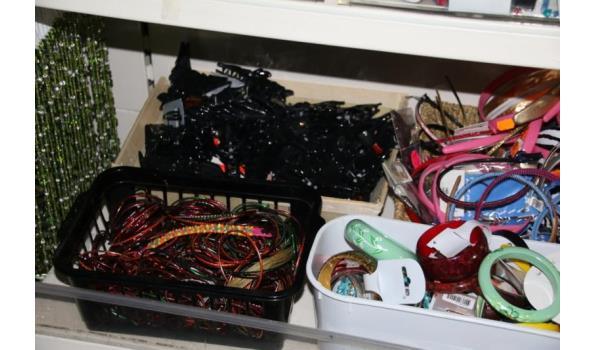 Diverse haaraccessoires, armbanden, oorbellen en diverse Sieraden & Accessoires