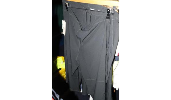 Diverse sportkleding o.a. T-shirts, shorts - ca. 30 stuks