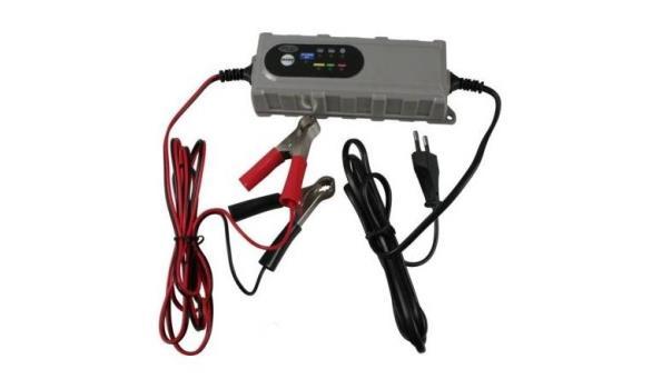 Acculader/druppelaar 12 volt, 3,8 AMP, 4x