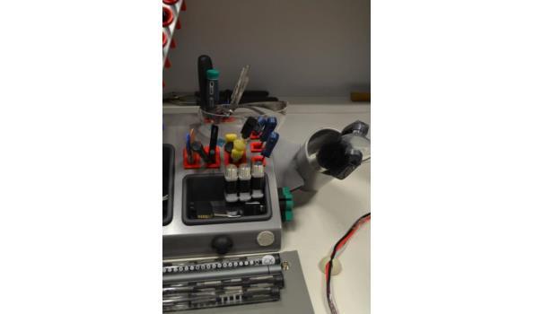 Diverse reparatie benodigdheden voor telefonie