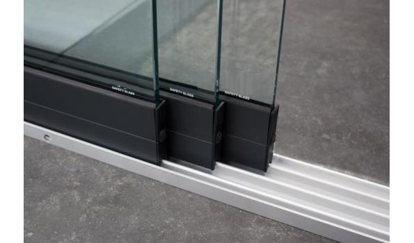 Glazen schuifdeursysteem 3 deurs, veiligheidsglas 10 mm, 2940mm breed, 2450mm hoog, antraciet structuur, RAL7016S