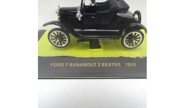 IXO Ford T runabout 2 seater 1925 in originele cassette