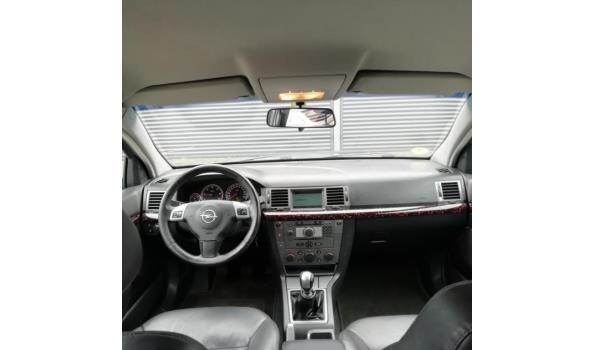 Opel Vectra 2005 150PK FULL OPTIONS! APK 07-06-2020!