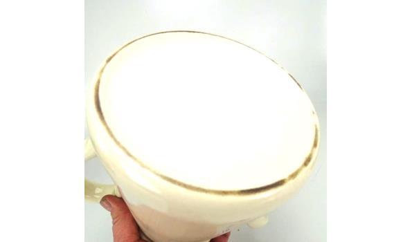 Grote porseleinen koffiekan