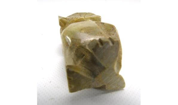 In steen gesneden uil