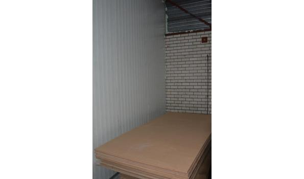 Hardboard platen - 250x125x0,8cm - aantal ca. 10 stuks