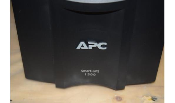 APC Smart UPS 1500 back-up systeem