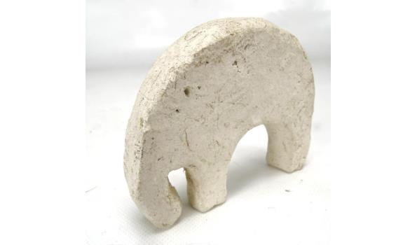 Modern gestilede stenen olifant