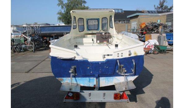 Overnaadse Noorse tour-/visboot