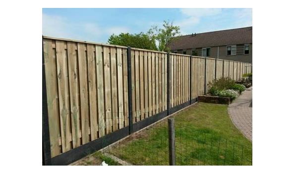 Tuinschutting Pro hout met beton, 28mtr
