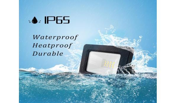 30 x Venus 10w LED Breedstraler - waterdicht IP65 - 6500K koud wit.