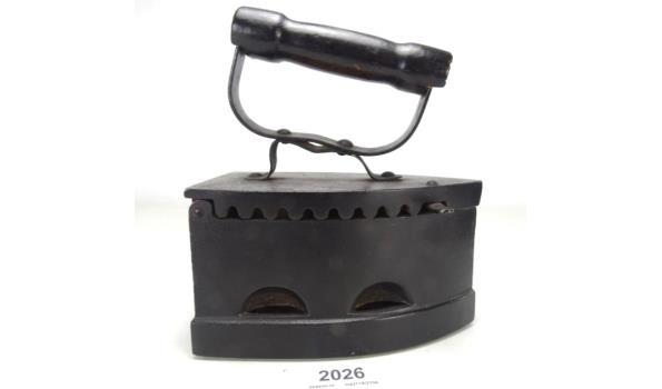 Antiek ijzeren strijkijzer
