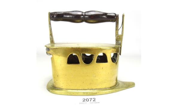 Antiek koperen strijkijzer