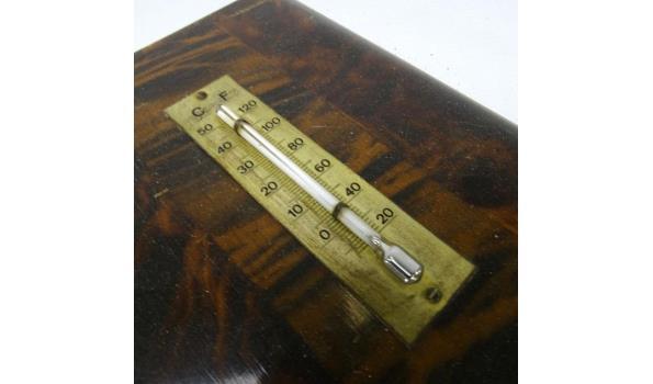 Weerstation en thermometer in massief mahoniehout gevat