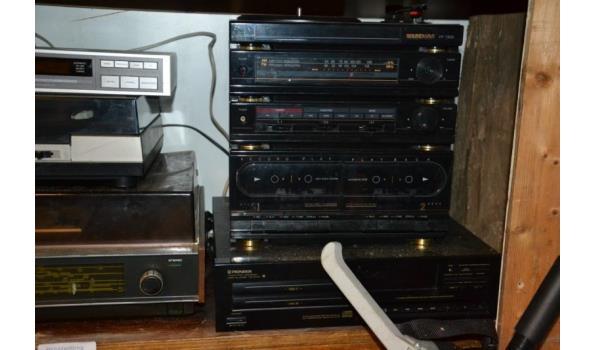 Partij audioapparatuur o.a. platenspelers