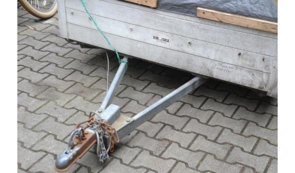 Aanhangwagen met draaimolen