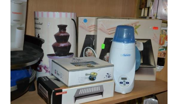Partij huishoudelijke apparaten o.a. Tomado koffiezetapparaat