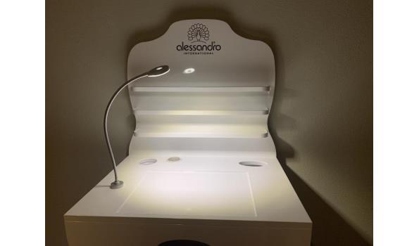 Alessandro International design professionele manicure tafel  160/100x70x52cm