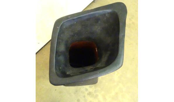 Zeer grote aardewerk vaas