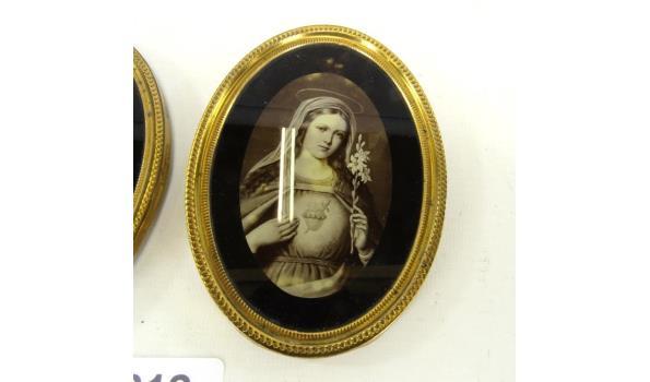 2 ovalen lijstjes met religieuze voorstelling