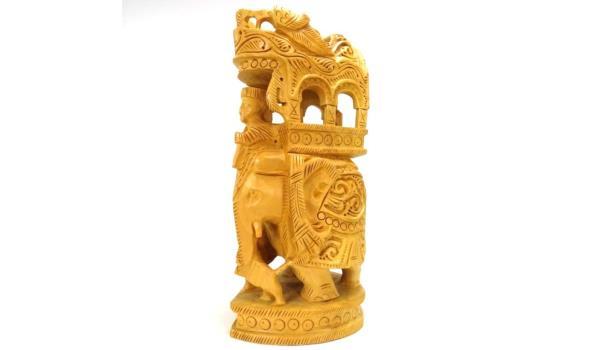 Zeer rijk in hout gesneden beeld olifant