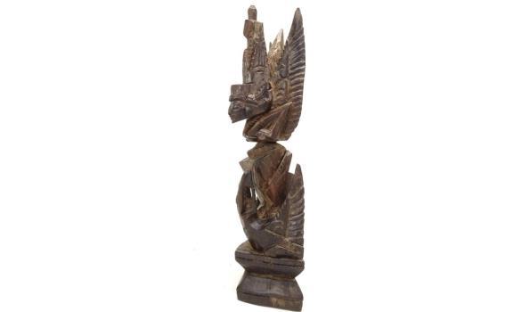 In coromandelhout gesneden Garuda