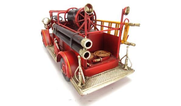 Blikken brandweerauto