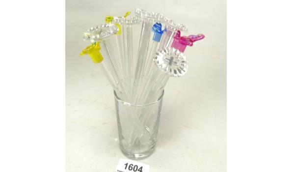 Glas met cocktailstampers