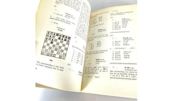 Dr. Max Euwe. Praktische schaaklessen