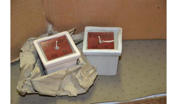 Kaars in houder met chinese opdruk - ca. 48 stuks