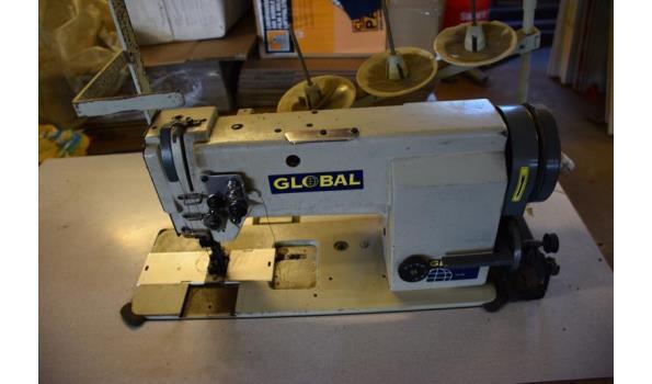 Global naaimachine incl. tafel