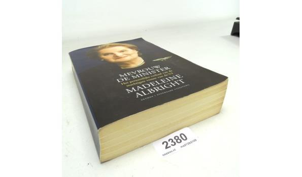 Boek. Madeline Albright, mevrouw de minister