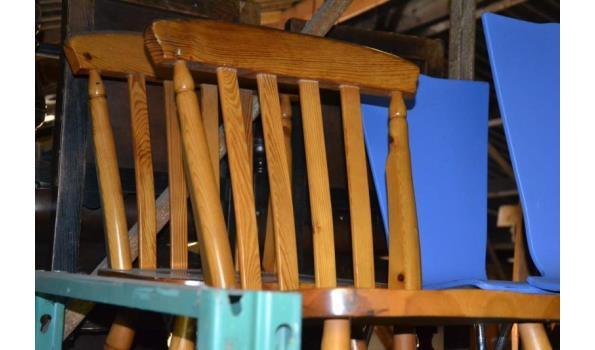Houten stoelen - aantal 2 stuks