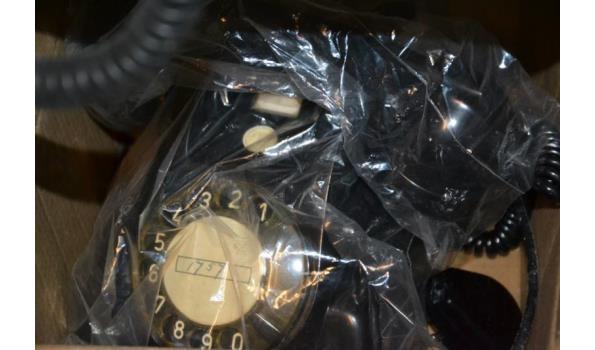 Antieke telefoons - 4 stuks