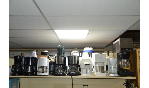 Partij koffiezetapparaten, diverse soorten en merken o.a. Douwe Egberts Cafitesse & Philips