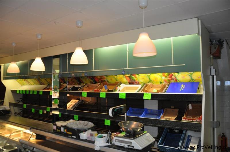 Complete winkelinrichting voor groentezaak