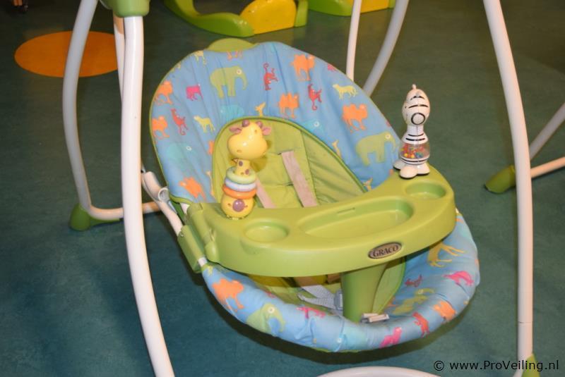 Schommelstoel Baby Graco.Graco Elektrische Schommelstoel Proveiling Nl