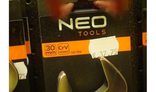 Neo steek/ringsleutel gedraaid 30mm